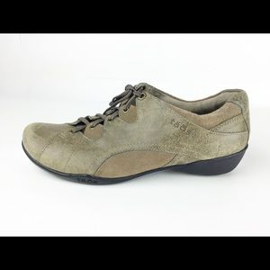 TAOS OXFORD LEATHER SNEAKERS LIKE NEW! LACE UP
